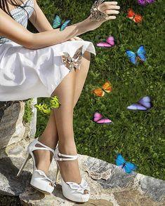 Χειροποίητα ρομαντικά νυφικά παπούτσια Divina 2020 Bridal Shoes, Valentino, Butterfly, Women's Fashion, Heels, Bride Shoes Flats, Heel, Bride Shoes