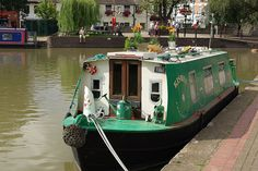 Typical small canal boat converted to a house boat. Barge Boat, Canal Barge, Canal Boat, Dutch Barge, Living On A Boat, Tiny Living, Houseboat Living, Boat Interior, Floating House