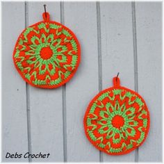 Red and Green Round Holiday Colors Hot Pads