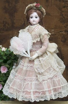 58 см Ранняя Модная кукла Gaultier в старинном платье с аксессуарами, 1870-е годы - на сайте антикварных кукол.