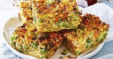 Cheesy bacon and veggie slice. This cheesy slice keeps well making it the perfect cook-ahead lunch box filler. Serve it alongside a fresh autumn salad and you'll have a meal that is not only delicious, but quick and easy to make, too! Rice Recipes, Lunch Recipes, Cooking Recipes, Healthy Recipes, Recipies, Cuban Recipes, Savoury Recipes, Cheese Recipes, Easy Cooking
