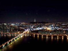 One of my favorite cities in the world~ Seoul, South Korea =) Can't wait to be there next week! Seoul Night, Korea Wallpaper, Visit Seoul, List Of Cities, South Korea Seoul, Han River, Night City, Asia Travel, Places To See