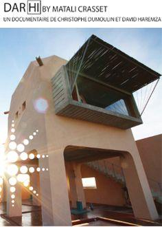 A Nefta, aux portes du désert sud tunisien, Christophe Dumoulin et David Haremza filment la mise en œuvre du projet d'hôtel Dar'Hi dont la conception renouvelle la manière de penser l'architecture comme l'hôtellerie.  Dès l'ouverture, Matali Crasset énonce sa tentative : « essayer de faire comprendre la fragilité du monde ».  Au fil des réflexions, des confrontations et des dialogues entre la designer, l'architecte, les ouvriers et les entrepreneurs Patrick Elouarghi et Philippe Chapelet, l…