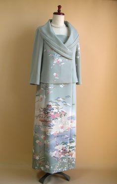 kimono dress Kimono Fabric, Kimono Dress, Silk Jacket, Kimono Jacket, Vintage Kimono, Vintage Dresses, Modern Japanese Clothing, Japanese Costume, Japanese Outfits