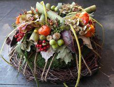 Creative Flower Arrangements, Fall Arrangements, Fall Harvest, Autumn, Unusual Flowers, Fall Diy, Fall Flowers, Fall Wreaths, Grapevine Wreath
