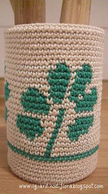 Il Giardino di Flora- Uncinettose evasioni ed altro: Portaoggetti all'uncinetto-Tapestry crochet