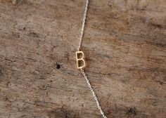 erste Halskette seitwärts zarten gold von sticksandstonesny auf Etsy