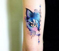 Cat tattoo by Claudia Denti Nice watercolor tattoo style of Cat head motive done by tattoo artist Claudia Denti Arm Tattoos Pretty, Simple Arm Tattoos, Full Arm Tattoos, Arm Tattoos For Women, Leg Tattoos, Body Art Tattoos, Small Tattoos, Simple Cat Tattoo, Tattos