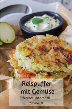 Reispuffer mit Gemüse - gesund & schnell zubereitet ⋆ Rice pancakes with vegetables - healthy and quick to prepare. Delicious meal for children and the whole family. dinner recipes for family Salad Recipes Healthy Lunch, Salad Recipes For Dinner, Chicken Salad Recipes, Easy Healthy Recipes, Baby Food Recipes, Vegetarian Recipes, Healthy Rice, Healthy Zucchini, Healthy Lunches