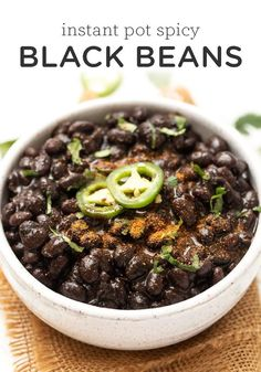 Instant Pot Spicy Black Beans How to cook the tastiest Spicy Black Beans in the instant pot! Such a healthy and delicious Mexican side dish for dinner that the whole family will love! Source by simplyquinoa Black Bean Recipes, Vegan Mexican Recipes, Vegetarian Recipes, Healthy Recipes, Vegan Meals, Spicy Black Beans Recipe, Vegan Bean Recipes, Mexican Desserts, Vegetarian Cooking