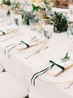 White and Emerald Green Wedding Table - - Emerald Wedding decor - Emerald Green Wedding Ideas Trendy Wedding, Elegant Wedding, Wedding Simple, Rustic Wedding, Wedding White, Gold Wedding, Blush Wedding Reception, Hip Wedding, Dream Wedding