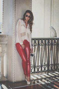 Vermelho + Nude   Calça Vermelha em couro ecológico