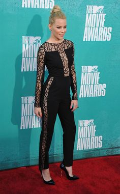 Elizabeth Banks' outfit might not get much love, but I dug it.