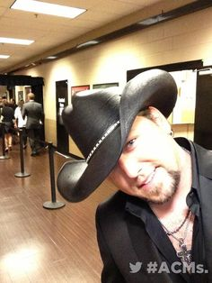 Jason Aldean 2013 ACM Male Vocalist of the Year! Best Country Singers, Country Music Stars, Country Artists, Cute Country Boys, Country Men, Country Strong, Jason Aldean, Cole Swindell