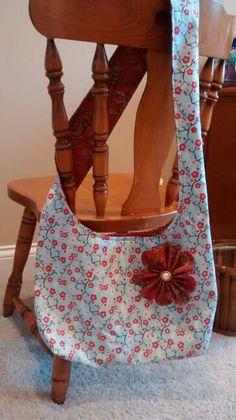 Reversable sling purse