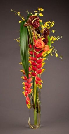 Floral arrangement with Anthurium, Tropical Flowers and Foliage - NeoFlora Show in Vancouver, Canada Contemporary Flower Arrangements, Tropical Floral Arrangements, Creative Flower Arrangements, Church Flower Arrangements, Ikebana Arrangements, Beautiful Flower Arrangements, Beautiful Flowers, Deco Floral, Arte Floral