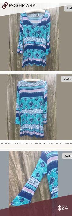 ADORABLE H&M GUAZE MINI DRESS/TOP divided H&M blue boho dress. Women's size 8. V-neck with tie, bell sleeve, short/mini length, gauze knit feel. Preowned, like new. Smoke free home 🏡 H&M Tops Tunics