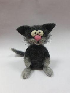 Needle Felted Cat. Grey Cat. Fanny Kitten. by HandMadeArtForYou