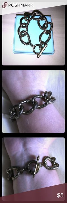"""{Thick Gold Tone Rope Toggle Bracelet} FREE with any purchase. Please let me know if you would like this bracelet prior to your purchase! Approximately 8"""" long (including toggle). Super stylish & has some good weight to it. Forever 21 Jewelry Bracelets"""