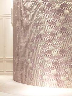 Dubai Mall(Level Shoe District)/Esagoni Giles Miller(tailor-made ceramic wall)