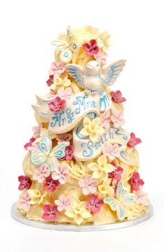 Choccywoccydoodah: Mr & Mrs Smith cake...all decorations are pure chocolate!