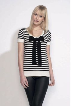 Pull manches courtes rayé et gros noeud - t-shirt en maille marinière Odemai  sur cpourl.fr - CpourL Pull, T Shirt, Women, Fashion, Fashion Ideas, Trendy Outfits, Hair Bow, Stripes, Sleeves