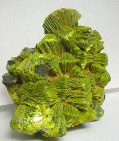 Autunite, 6.5 × 5.5 × 4 cm, Daybreak Mine, Spokane County, Washington, USA