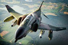 F-4 fighter jet bomber phantom airplane plane military (74) wallpaper background