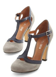 love these grey t-strap heels http://rstyle.me/n/utdi2pdpe