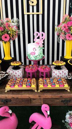 Niver Bruna 60th Birthday Ideas For Mom, 25th Birthday Cakes, Luau Birthday, Flamingo Birthday, Flamingo Party, Summer Birthday, Birthday Parties, Aloha Party, Luau Party