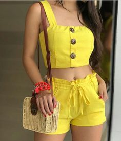Pin by Loriette Orama on outfit in 2019 Summer Fashion Outfits, Teen Fashion, Spring Outfits, Fashion Dresses, Womens Fashion, Crop Top Outfits, Short Outfits, Trendy Outfits, Cute Outfits