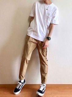 20 Daily Outfits for Men with Minimal Fashion - Outfit Styles Stylish Mens Outfits, Casual Outfits, Men Casual, Fashion Outfits, Fashion Styles, Outfits For Men, Casual Look For Men, Boyish Outfits, Converse Outfits