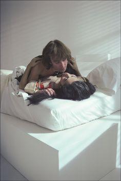 John Lennon & Yoko Ono photographed byAllan Tannenbaum