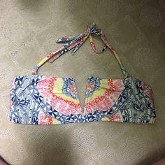 Mara Hoffman swim suit top!! V wire top! Adjustable back closure & removable straps! Mara Hoffman Swim Bikinis