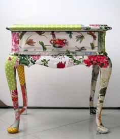 Decoupage Furniture End Table. Decoupage can be used on just about anything. if you would like to dress up a boring piece of furniture then just do it with decoupage. Decoupage Furniture, Hand Painted Furniture, Funky Furniture, Repurposed Furniture, Shabby Chic Furniture, Furniture Projects, Furniture Making, Furniture Makeover, Decoupage Ideas