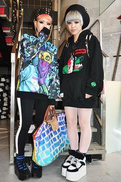 Maho. Miho. Funky Fashion, Tokyo Fashion, Dope Fashion, Kawaii Fashion, Harajuku Style, Harajuku Girls, Harajuku Fashion, Japan Street, Tokyo Street Style