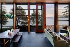 5 Secrets To Adding Outdoor Elements To Your Modern Lake House