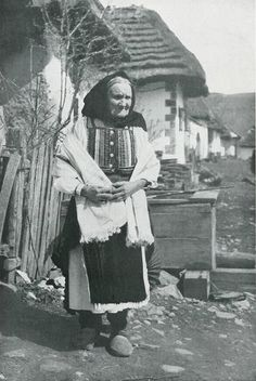 Folk Art, Nostalgia, Culture, Painting, Dress, Dresses, Popular Art, Painting Art, Paintings