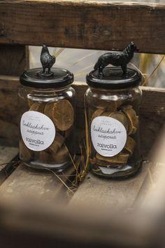 Suklaakahvisaippua / Chocolate coffee soap (10 €) Coffee Soap, Chocolate Coffee, Stuffed Mushrooms, Vegetables, Food, Products, Stuff Mushrooms, Essen, Vegetable Recipes