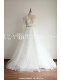 A-linje Hovsläp Brudklänning - Elfenben (färgen kan variera beroende på datorskärm) V-ringad Spets / Tyll 2016 – Kr.1,685