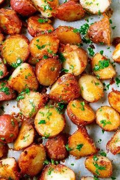 Roasted Garlic Butter Parmesan Potatoes Recipe - - These epic roasted potatoes with garlic butter parmesan are perfect side for your meal! - by potato recipe Roasted Garlic Butter Parmesan Potatoes Red Potato Recipes, Roasted Potato Recipes, Veggie Recipes, Healthy Dinner Recipes, Vegetarian Recipes, Cooking Recipes, Vegetarian Barbecue, Garlic Recipes, Meal Recipes