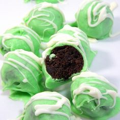 Girl Scout NO BAKE Thin Mint Truffles, so easy!