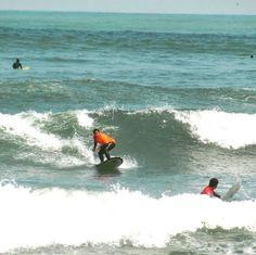 La de hoy en Instagram: Cuanto más practiques mejor te sale. Reseva tu turno con anticipación al 997346070 (RPC y Whatsapp) o con un mensaje directo al Inbox. #surf #Lima #Peru #learntosurf #surfinglessons #EndlessSummer #Miraflores #Makaha #beachlife #surfisfun #surfergirl - http://ift.tt/1K8gmug