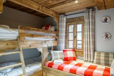 La Grange au Merle is a newly renovated luxury chalet from Clarian Chalets. Alpine Chalet, Ski Chalet, Alpine Style, Old Wood, Wood Paneling, Bunk Beds, Skiing, Relax, Indoor