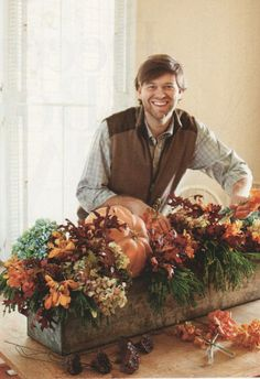 Box Centerpiece for Fall ~Common Ground: Window Box Centerpiece for Fall. This one is Stunning~~Common Ground: Window Box Centerpiece for Fall. This one is Stunning~ Fall Window Boxes, Christmas Window Boxes, Fall Arrangements, Autumn Decorating, Decorating Ideas, Fall Table, Deco Table, Decoration Table, Fall Wreaths
