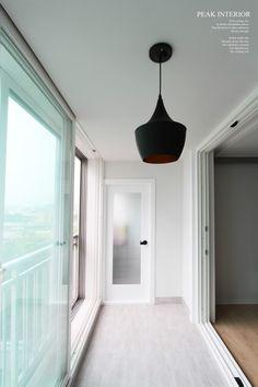 대전아파트인테리어,대전아파트리모델링 피크인테리어의 태평동 '버드내아파트' 완공현장 2편. : 네이버 블로그 Remodeling, Ceiling Lights, Lighting, Home Decor, Decoration Home, Room Decor, Lights, Outdoor Ceiling Lights, Home Interior Design