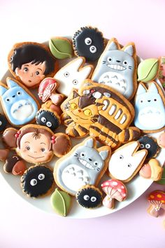Not making these but they are adorable  My neighbor Totoro icing cookies. となりのトトロのアイシングクッキー | Cuteness | Pinterest