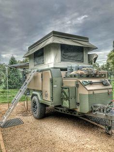 Conqueror uev390! Off-road camper trailer with bundutec roof top tent