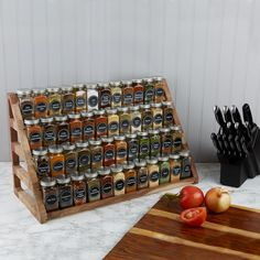 Organize your kitchen spice rack or spice cabinet into a space efficient and uniform looking way with our sets of French style glass spice jars with stylish spice labels SpiceLuxe! Spice Storage, Home Organisation, Home Organization Hacks, Kitchen Organization, Spice Rack Organization, Organizing Ideas, Closet Organization, Organize Kitchen Spices, Diy Kitchen Storage