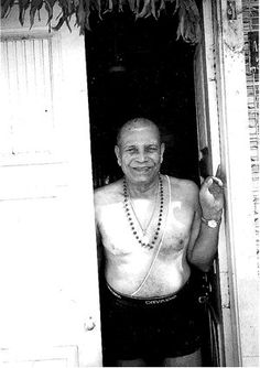 Sri K. Pattabhi Jois, founder of Ashtanga Yoga.